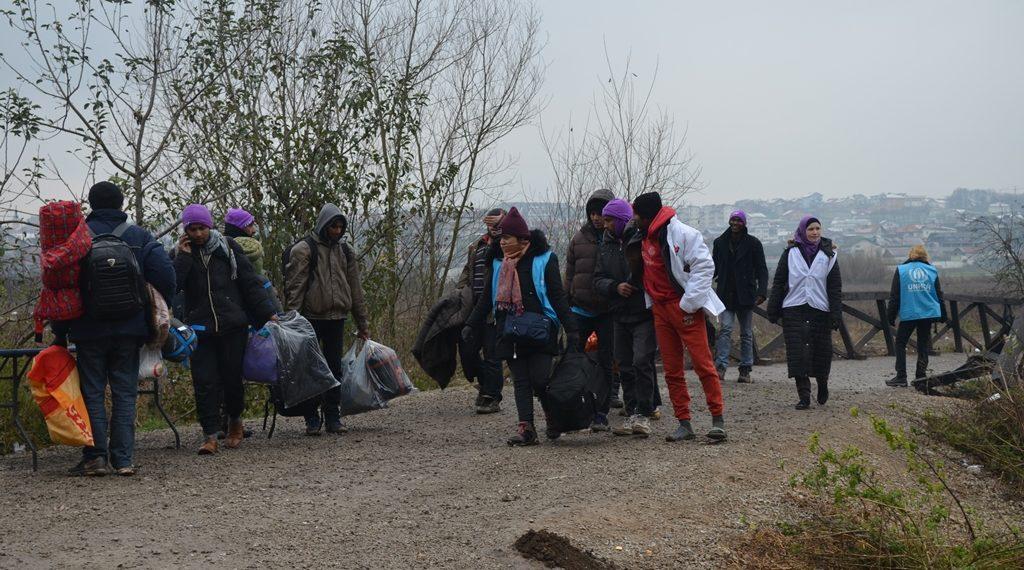 """U toku je izmještanje migranata iz kampa Trnovi u objekt firme """"Miral"""""""